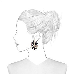 NEW! BaubleBar Leaf Earrings